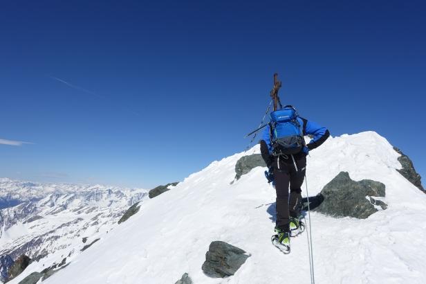 Summit 3798m